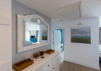 grace-cottage-hallway